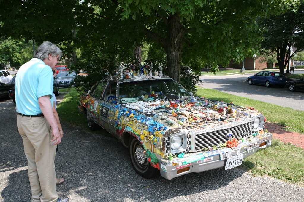 Steve sees an artcar up close and in person for the first time