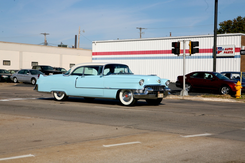 Bettendorf Iowa- classic scene with vintage cafr