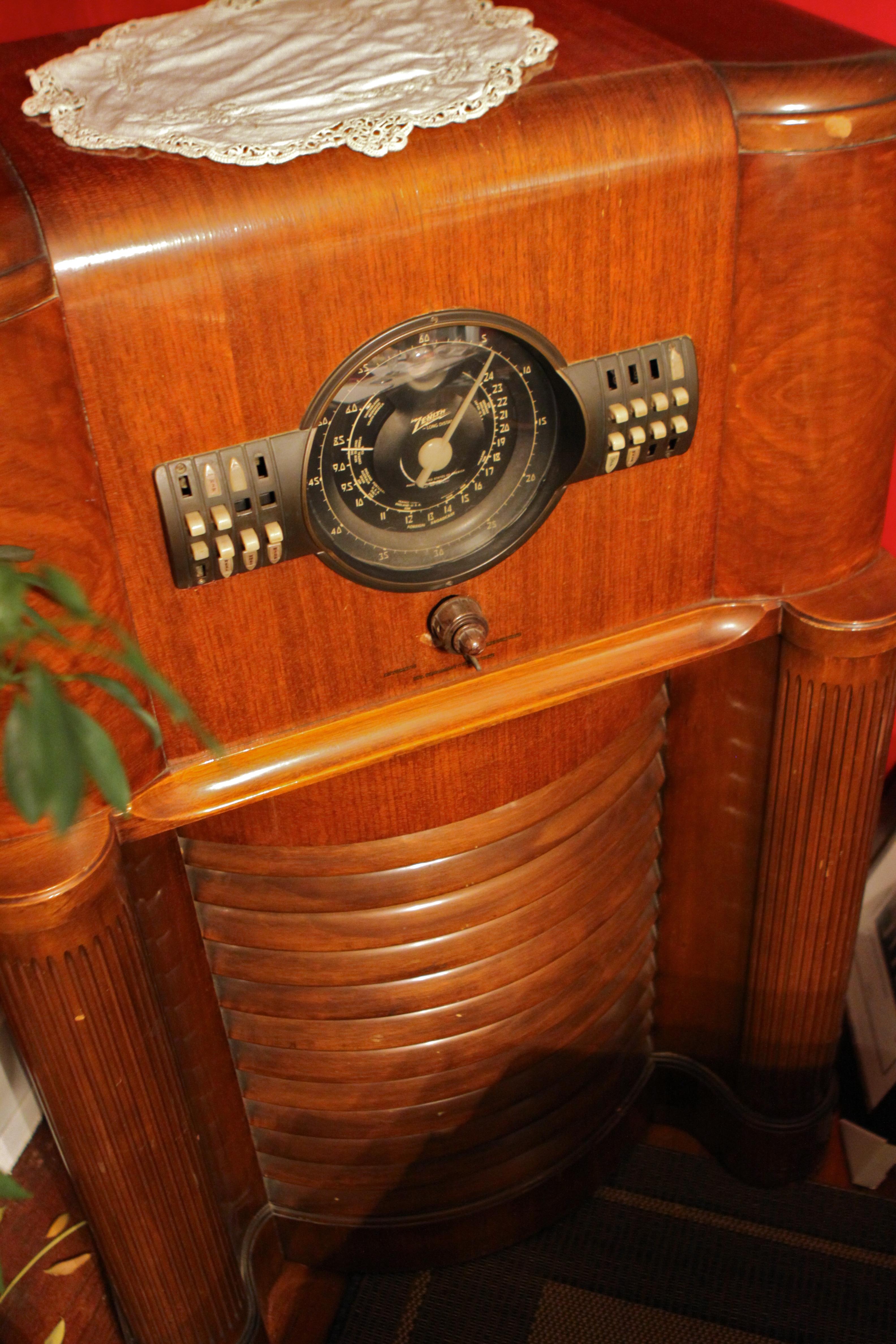 Antique Zenith Floor Radio Zenith Antique Radio   6