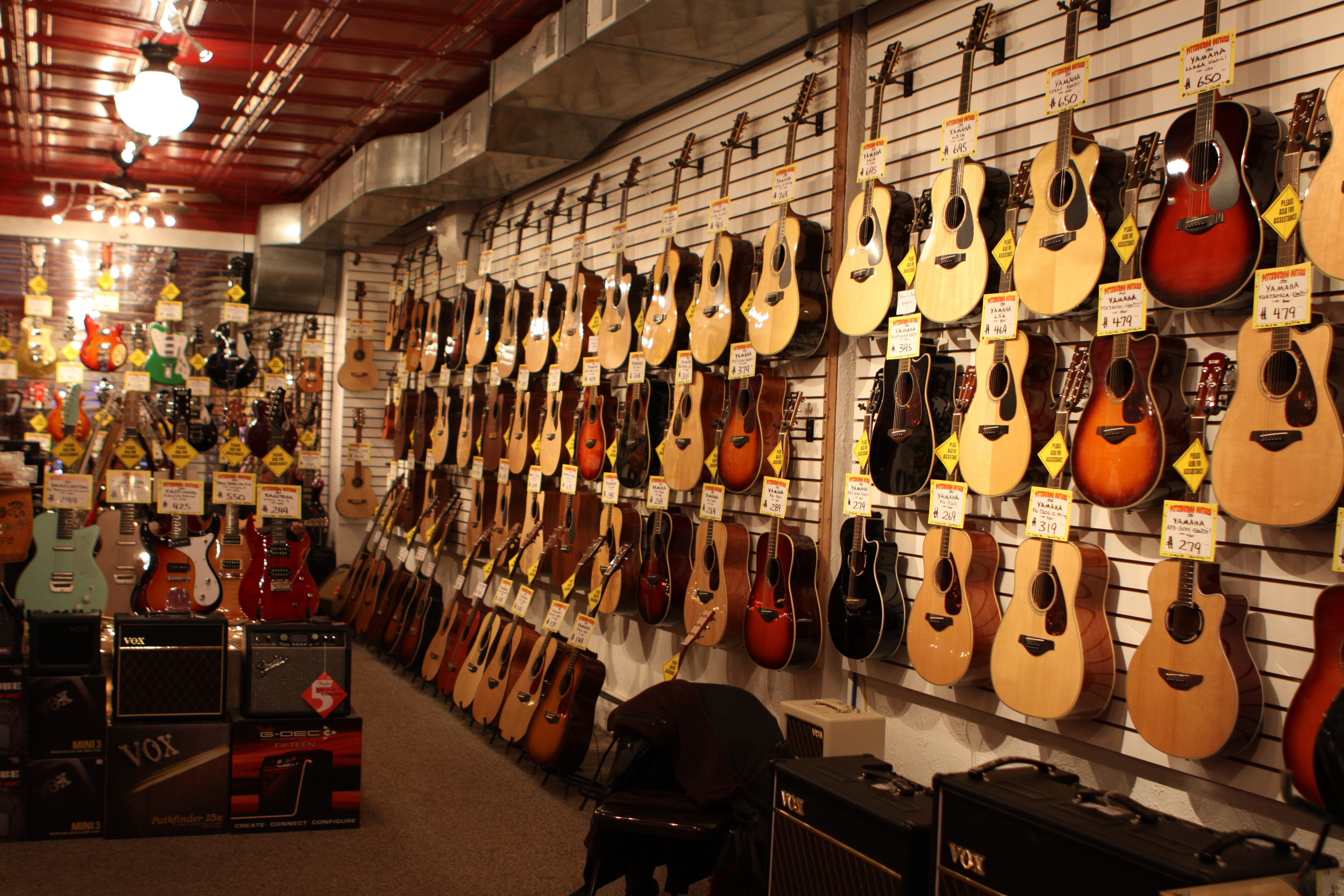 pittsburgh guitars on carson street south side interior and exterior shots ruth e hendricks. Black Bedroom Furniture Sets. Home Design Ideas