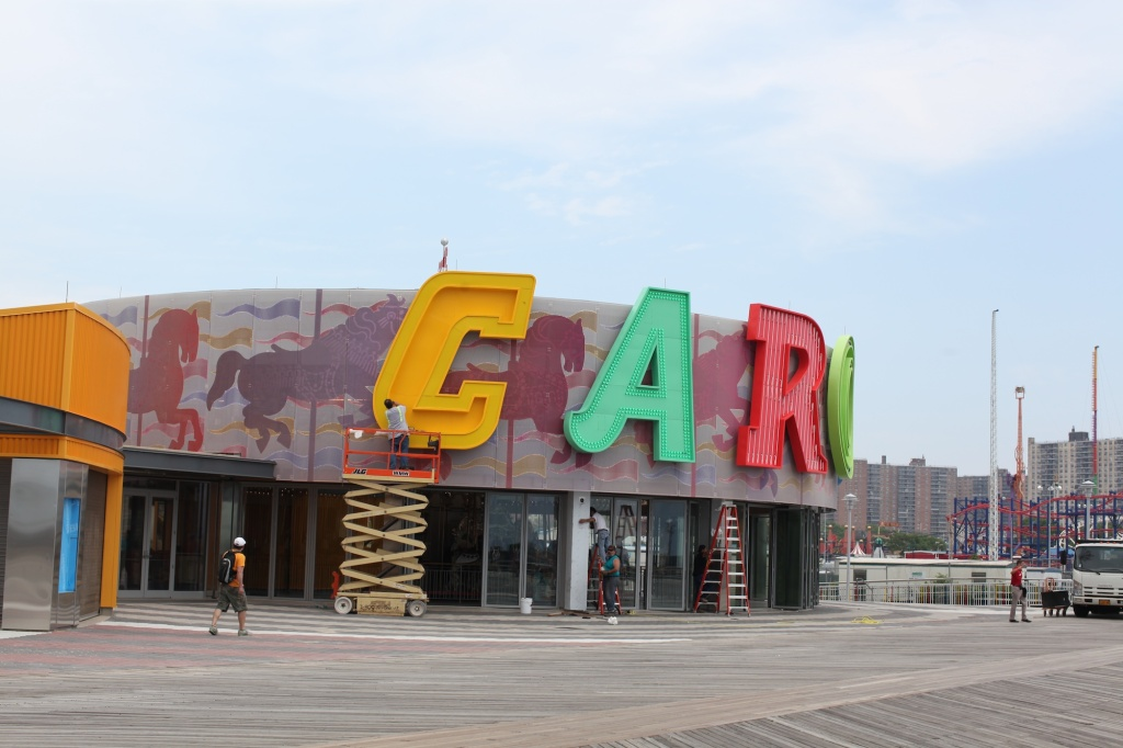 Carousel Lettering on Pavillion