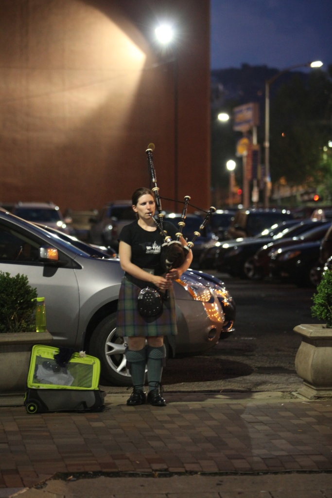 Bagpiper on Penn Avenue (1)