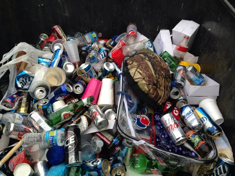 Heinz field Garbage