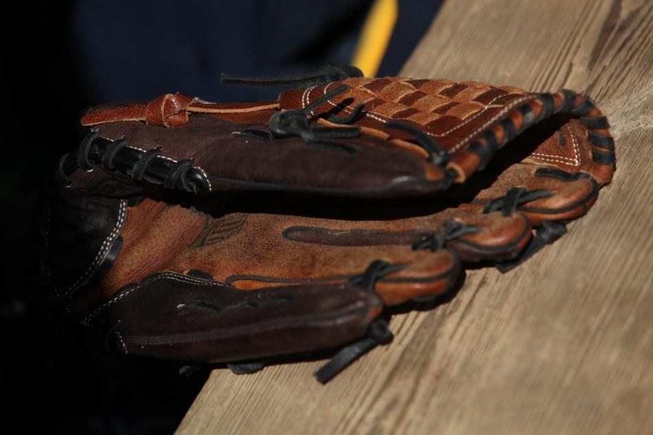 baseball glove 1