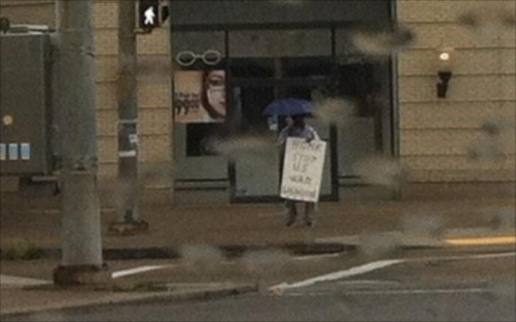 Loe protestor in East Liberty