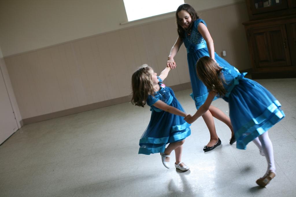Cousins Twirl
