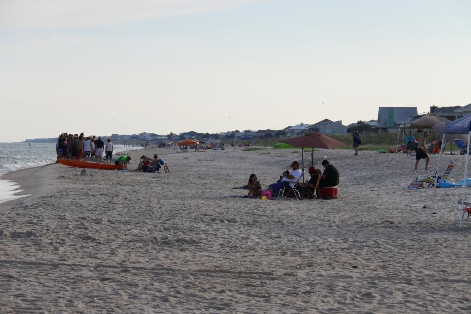 watching beach photographers 9