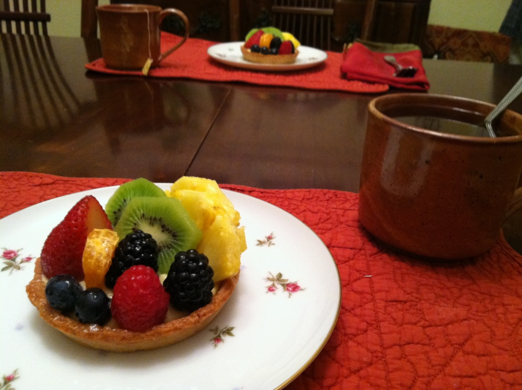 A fresh fruit tart at Suzanne's home for tea