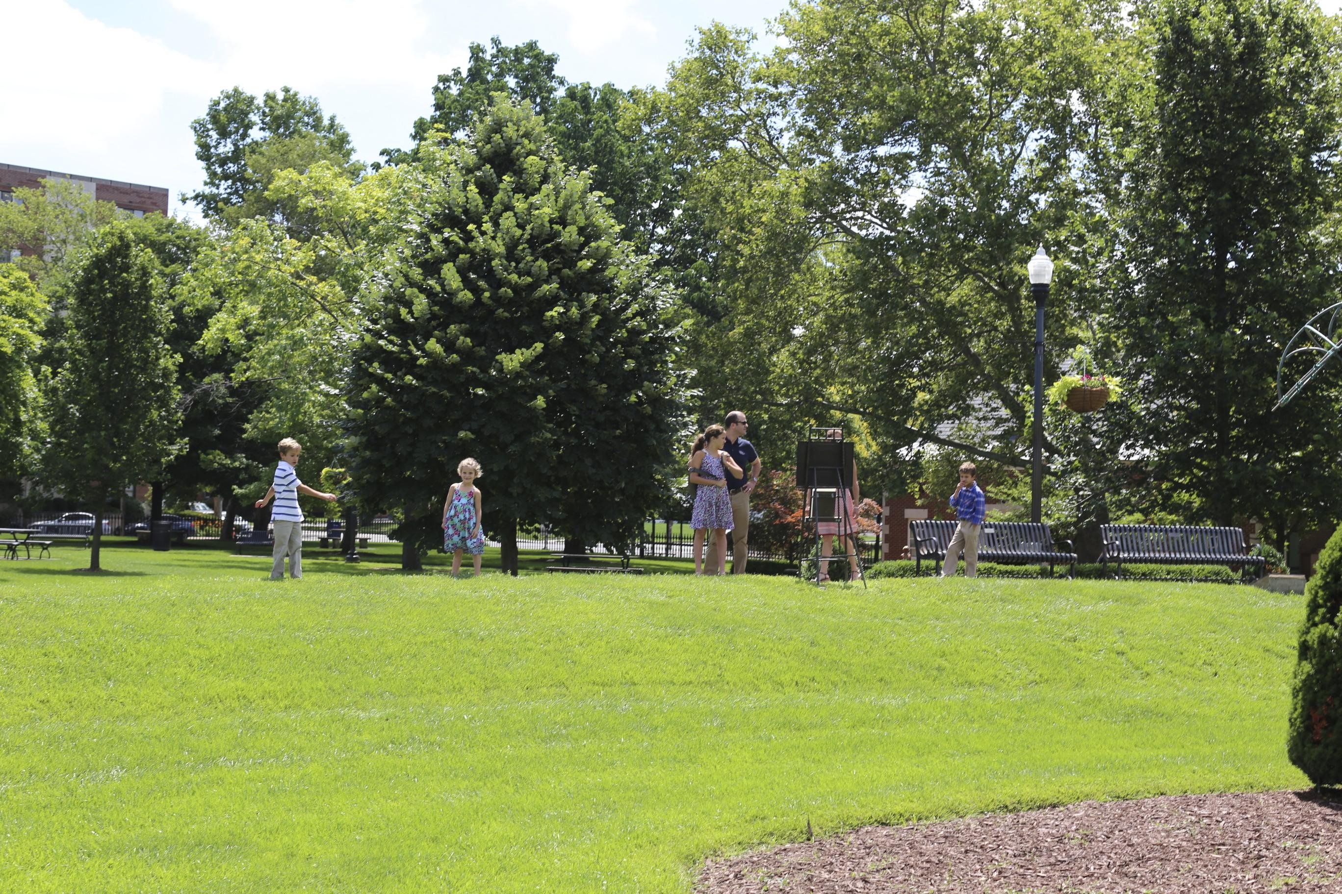 A Sunday In Columbus Topiary Garden Ruth E Hendricks
