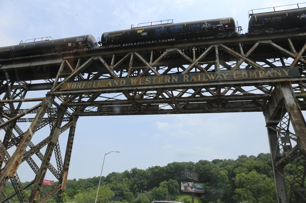 train overhead 2